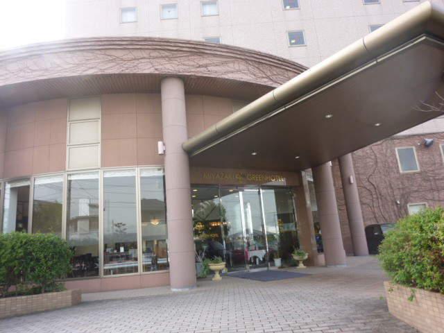 宮崎市のおすすめ格安ホテル 宮崎グリーンホテルの駐車場 ...